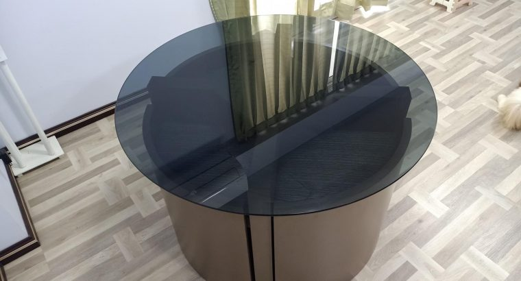 Dinning Table or Meeting Table