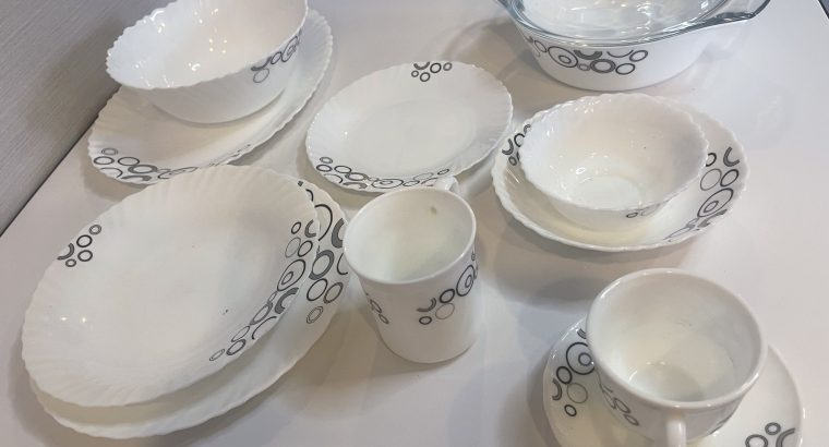 Dinner set – 68 pieces (plates/bowls/cup/saucers/mugs/deep bowls with & without lids/rice plate)